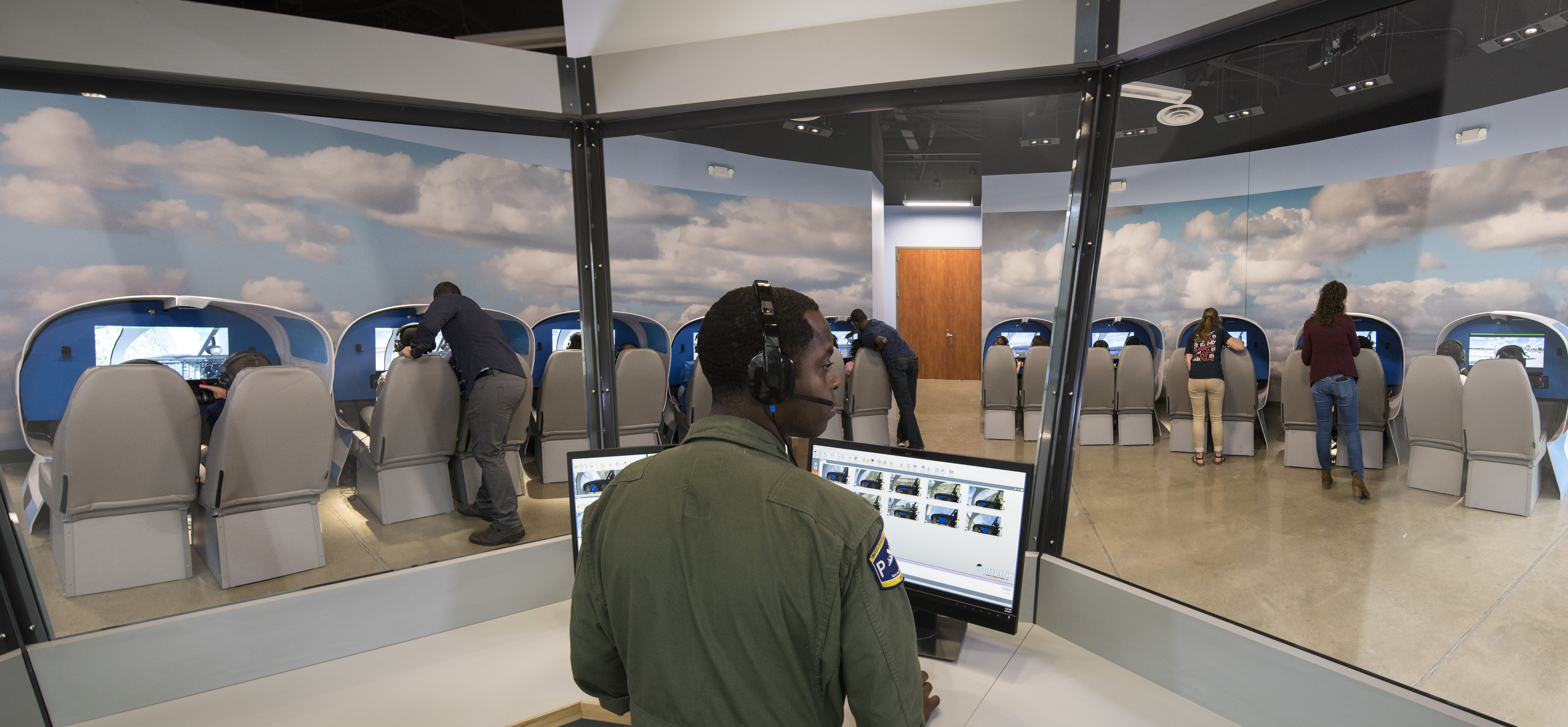 LSFM_Aviation Learning Center_Simulator Bay Tower