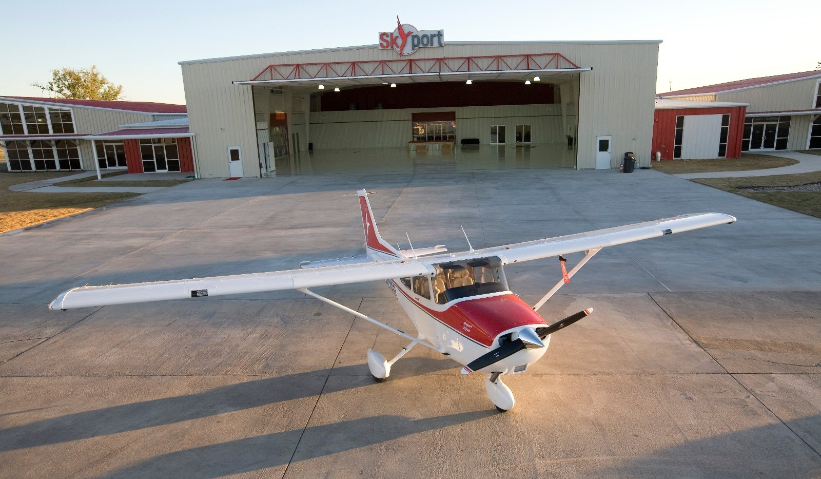 The Pilot and The FBO: A Love/Hate Story