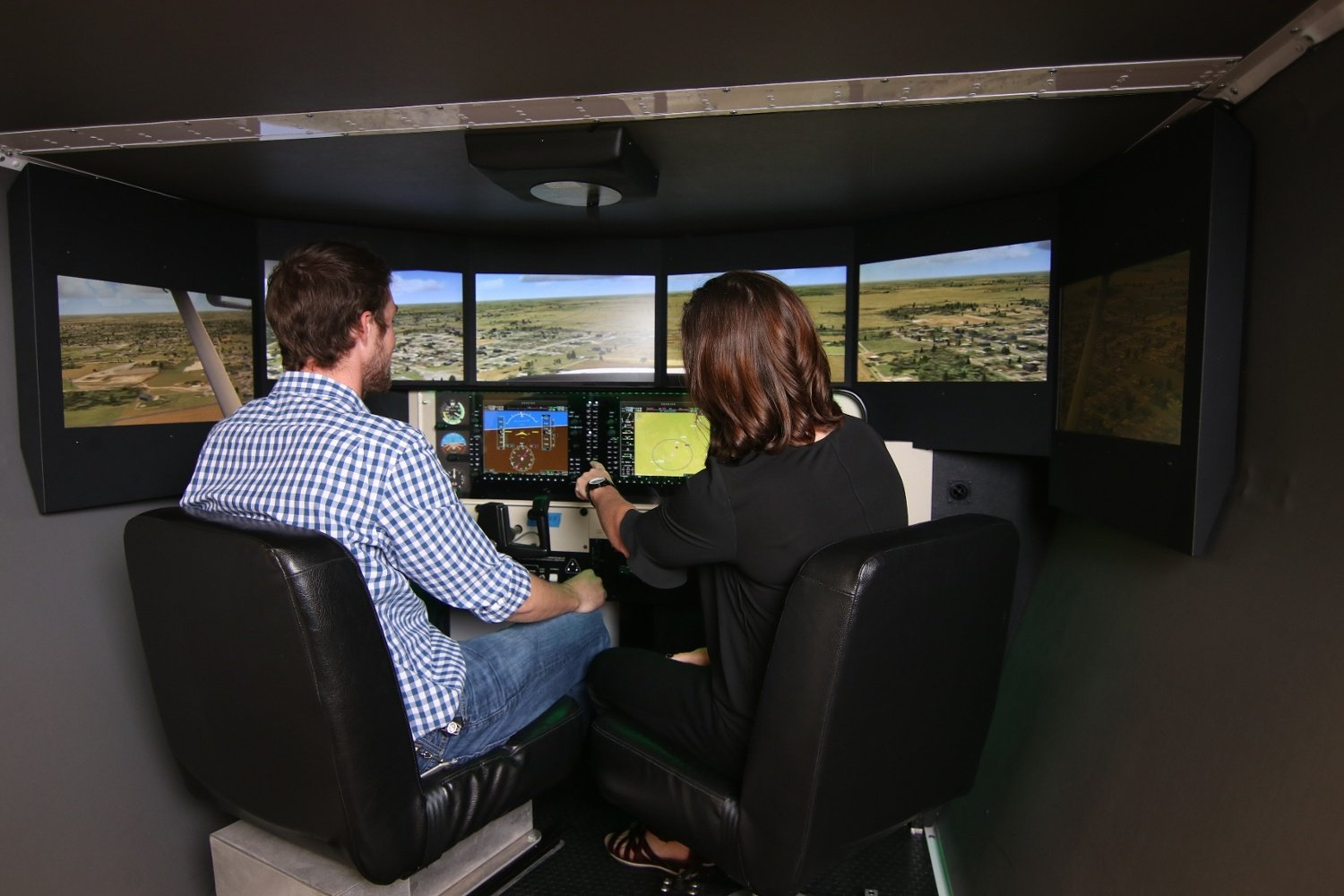 How a Flight Simulator Helps You Get Over a Fear of Flying